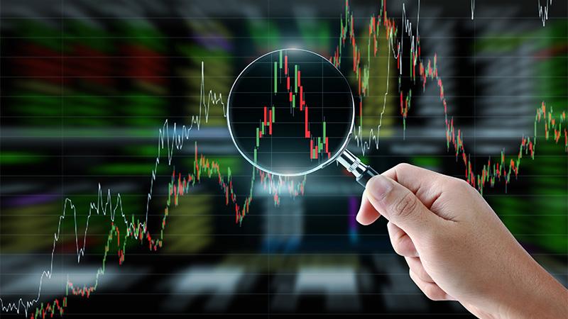 Bitcoin Trading vs. Investing