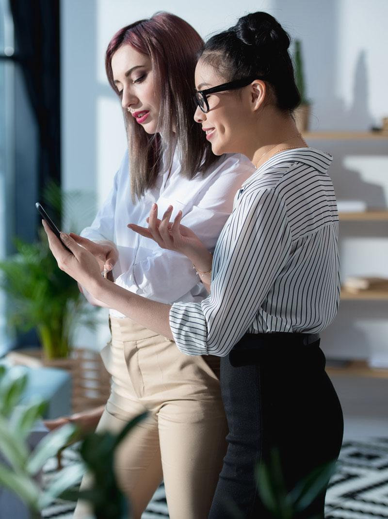 Millennials Trade so Easy Online